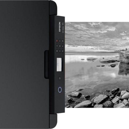 Epson Expression Photo XP-15000 – компактный широкоформатник с серым и красным картриджами